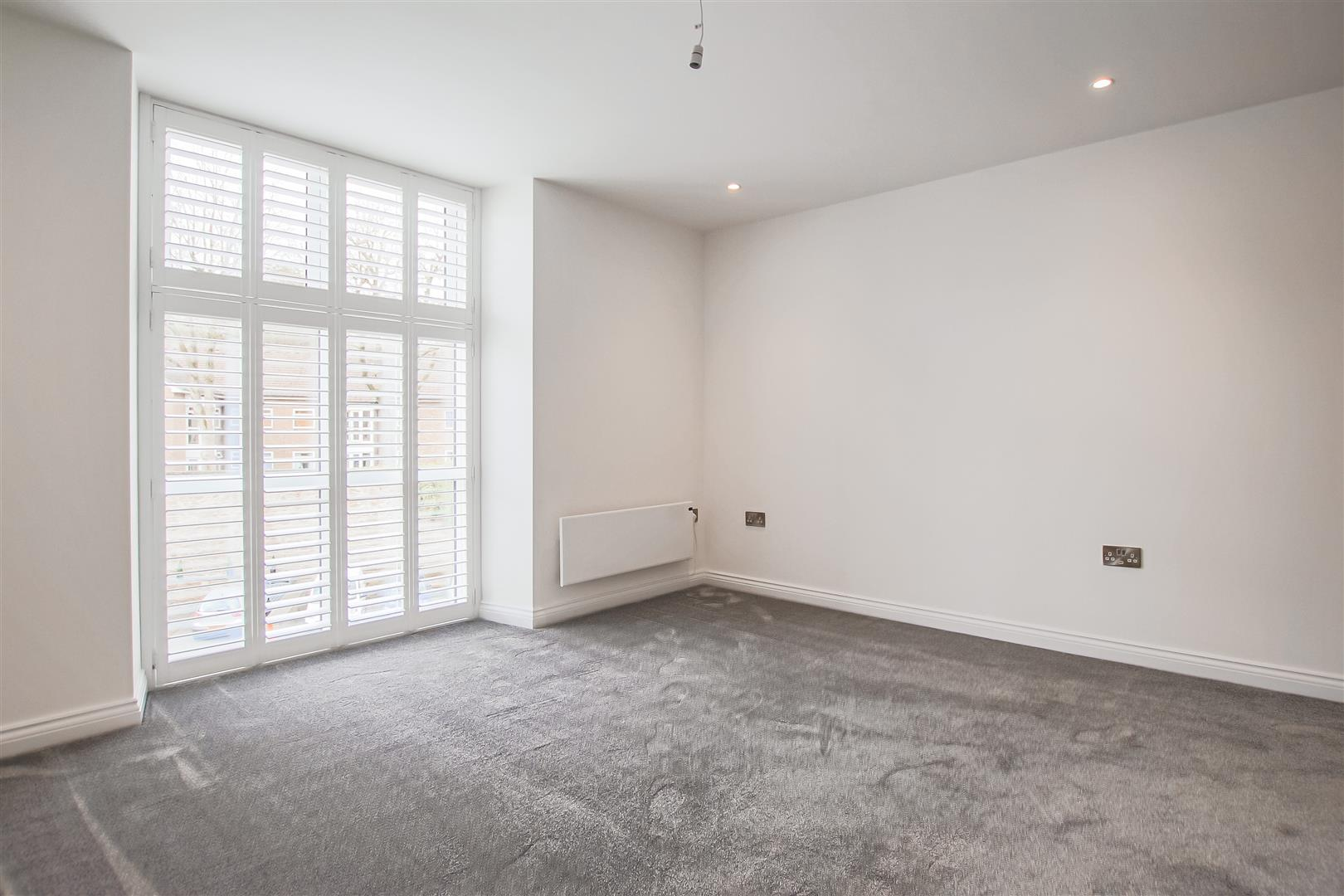 2 Bedroom Apartment For Sale - Image 11